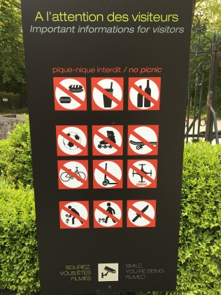 What you can't do at Château Chenonceau