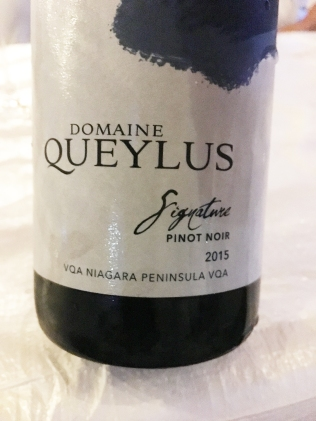 Domaine Queylus Signature Pinot Noir 2015
